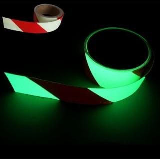 Fitas adesivas fotoluminescentes às riscas